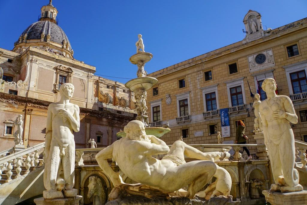 Fontana Pretoria = things to do in Palermo