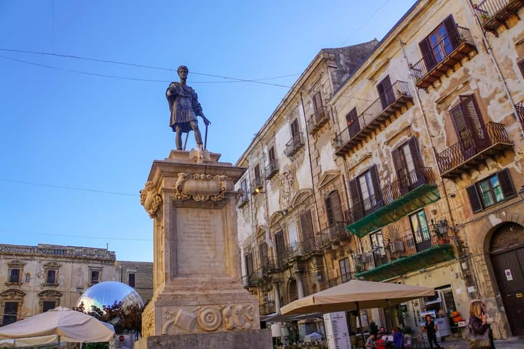Piazza Bologni - things to do in Palermo
