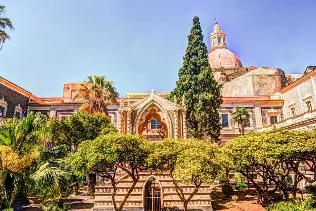 Cloister of the Benedictine Monastery of San Nicolo l'Arena in Catania - Sicily itinerary