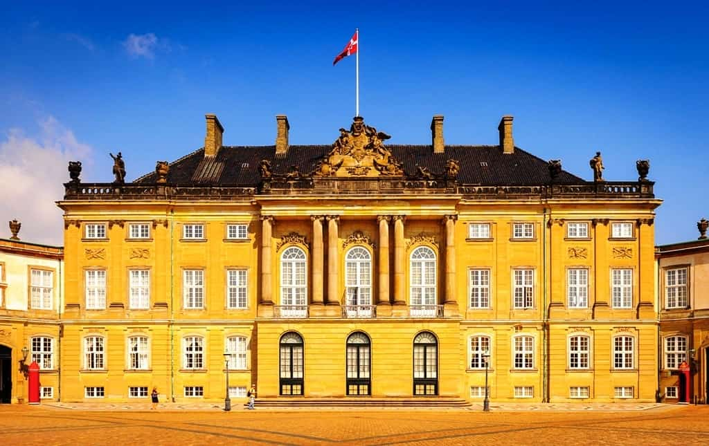 Amalienborg Palace - a day in Copenhagen